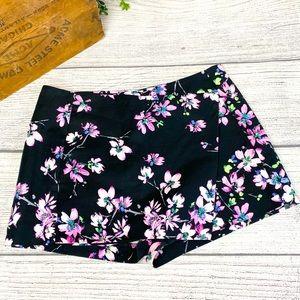 Express Women's Black Floral Skort Size 6